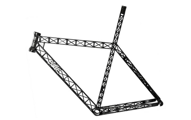 Prototype de velo a structure carbone