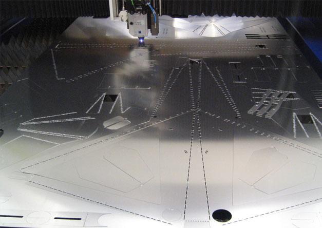 Cadre de velo en decoupe de tole aluminium