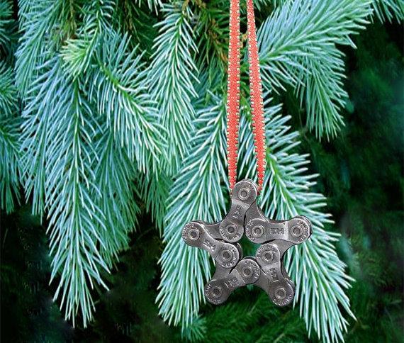Etoile de Noel en chaine de velo