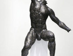 Sculpture en maillons de chaine de velo