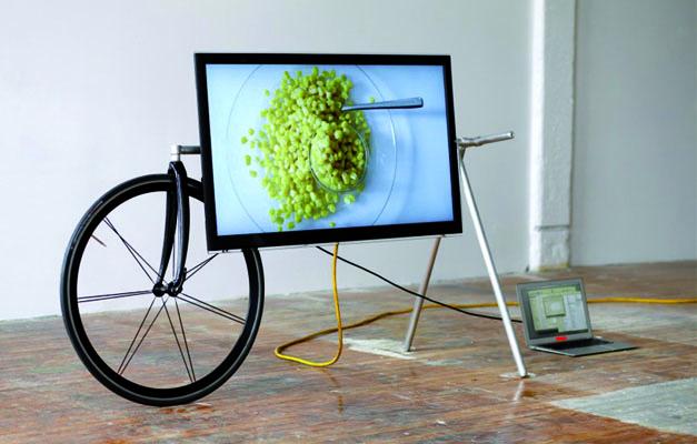 TV Barrow par les designers Che Wei Wang et Taylor Levy