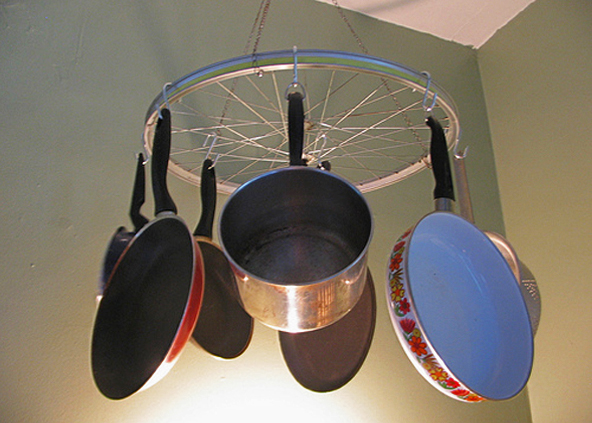 Support de casseroles a roue de velo DIY