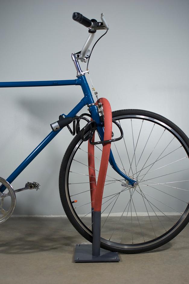 Soft and flexible bike rack by Keha3 studio