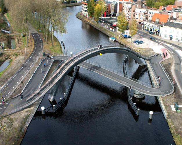 Pont bizarre pour velo