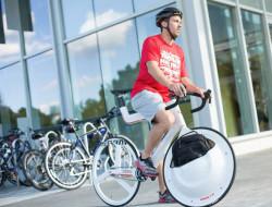 Porte-bagages integre a la roue de velo