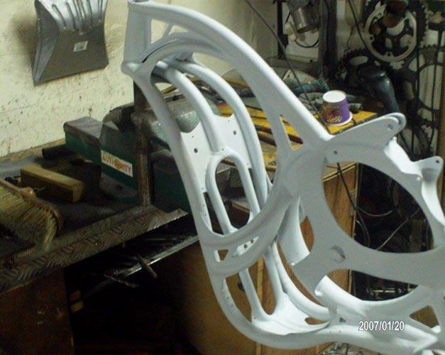 Cadre de velo de fabrication artisanale