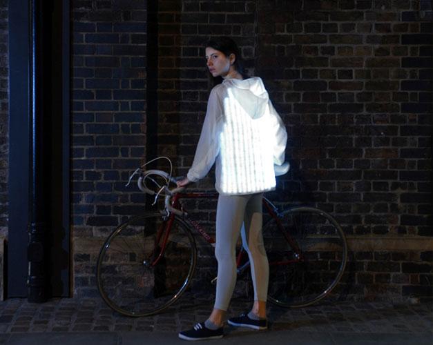 Veste cycliste lumineuse communicante