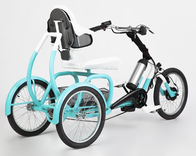 Tricycle electrique pour handicap