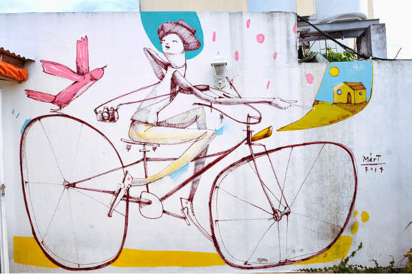 Velo street art par Mart Aire